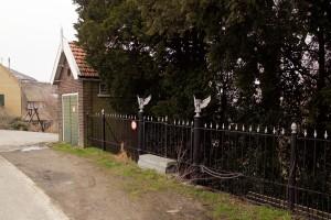 het mooie hek van het oude kerkhof aan het Middelland te Krimpen aan de Lek