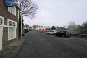 tegenover het huis van Kees Smit staan nu 3 appartementen.. verlies van cultureel erfgoed..